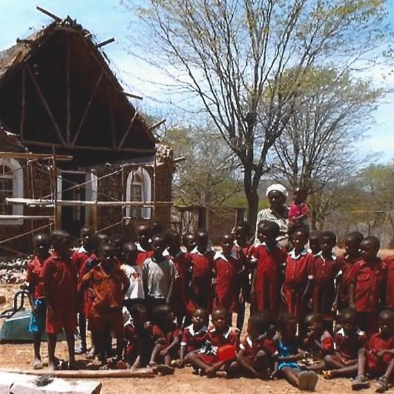 Grupo de niños de preescolar de la parroquia.