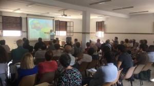 D. Vicente Amargós explicando su experiencia en Venezuela.